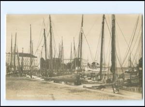 XX13819/ Swinemünde Fischereihafen Reichsmarine Fahrt der Kolberg Foto AK
