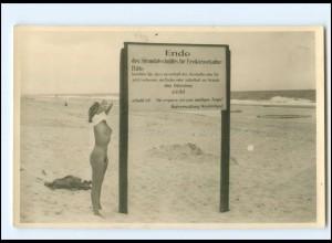 Y19551/ Westerland Sylt Frau nackt am Strand Freikörperkultur Foto AK 1958