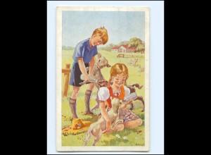 Y19541/ Kinder füttern Lämmer Schafe AK 1940 sign: C. Smit