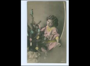 XX14099/ Weihnachten Mädchen und Tannenbaum Foto AK 1914