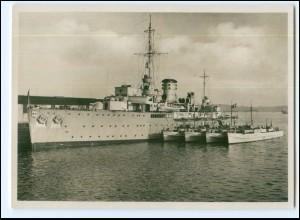 XX14180/ Schnellboot-Begleitschiff Tsingtau Foto Ak ca.1940 Kriegsschiffe