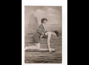 U3610/ Badeleben Frau im Badeanzug Foto Ak ca. 1910