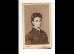 Y13219/ CDV Foto junge Frau Foto J. Kosmehl, Magdeburg ca.1885