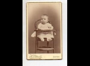 Y13226/ CDV Foto Baby KInd im Hochstuhl Foto H. Pätzold, Gotha ca.1880