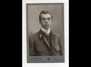 Y18757/ CDV Foto junger Mann Fotograf Carl Weighart, Leoben ca.1910