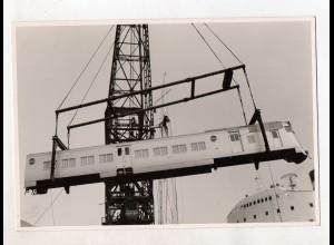 C3266/ Hamburg Hafen Dieseltriebwagen-Verladung Foto 16,5 x 12,5 cm 1960