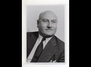 Y14971/ Staatssekretär Heinrich Krehle (CSU) im Arbeitsministerium Foto ca.1948