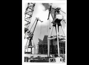 C3691/ Hamburg Hafen Kräne Werft Schiffsbau Foto ca.1970 22 x 15,5 cm