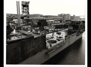 C3675/ Hamburg Hafen Werft Schiffsbau 1975 Foto 25,5 x 20,5 cm