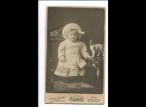 S2136/ CDV Foto kleines Mädchen mit Spielzeughund Atelier A. Busch, Kiel ca.1900