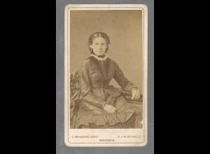 Y16362/ CDV Foto Frau mit Reifrock Atelier von Flottwell, Magdeburg ca.1870