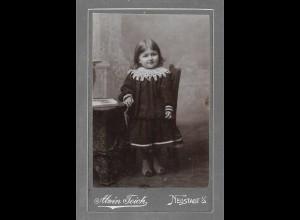 Y16370/ CDV Foto kleines Mädchen Atelier Alwin Teich, Neustadt i/S. ca.1900