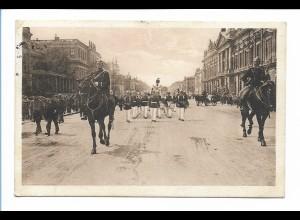 Y17373/ Berliner Typen Wachtparade mit Schutzmann AK 1911