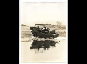 C3793/ Schwimm, Kletter- Abwurfwagen von Glas und BMW für die NATO Foto