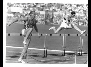 C3908/ Olympiade Rom 1960 400m Hürden Glan Davis USA + H. Janz Foto 21 x 15 cm
