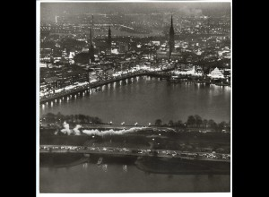 C4148/ Hamburg Alster Lombardsbrücke bei Nacht Luftaufnahme 1963 21 x 21 cm