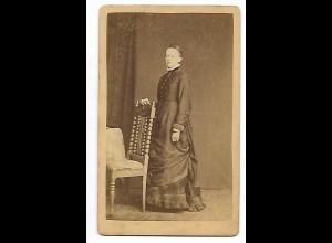 Y19910/ CDV Foto junge Frau Atelier J. Eckman, Nortorf ca.1870