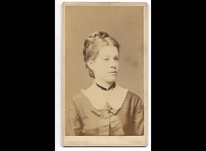 Y19638/ CDV junge Frau Foto Eugen Kegel, Kassel ca. 1880