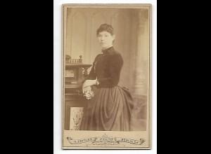 Y19621/ CDV junge Frau Foto H. Zeidler, Berlin ca.1875