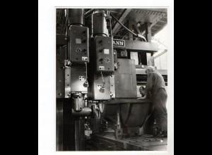 C1478/ Maschinenraum im Schiff mit Besatzung Foto ca. 1965 21 x 16,5 cm