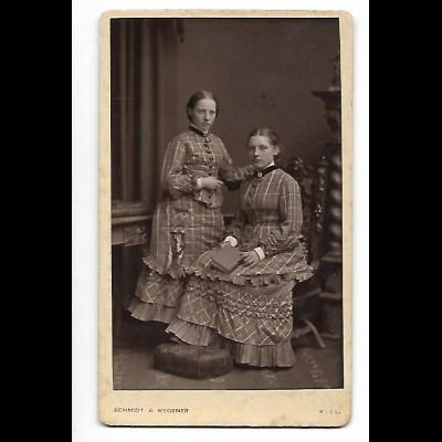 Y20571/ CDV Foto Schwestern Mädchen Atelier Schmidt & Wegener , Kiel ca.1890