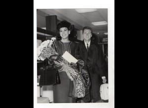 F6024/ Edward Byrnes (Kookie) mit Ehefrau Asa Foto ca.1960 24 x 18 cm