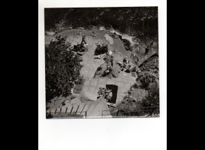 F6225/ Opatija Kroatien Foto Badeleben Foto ca.1960 18 x 17,5 cm