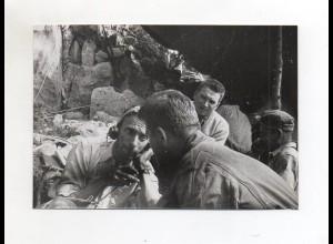 F6609/ Höhlenforscher Robert Levi telefoniert mit den Verunglückten Foto ca1950