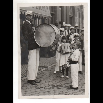 C2046/ Spielmannzug in Maastricht 1933 Foto Pressefoto 24 x 18 cm Niederlande