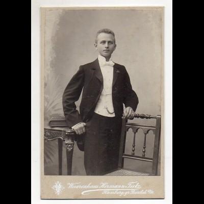 Y4593/ Kabinettfoto junger Mann Atelier Warenhaus Hermann Tietz, Hamburg ca.1900