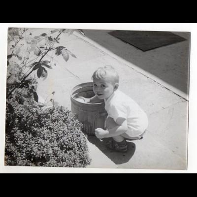 C2866/ Oma und Enkelkind mit Brille Foto ca.1950 19,5 x 14,5 cm