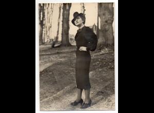 C2960/ Junge Frau mit Hut Mode Foto ca.1935 17 x 12 cm