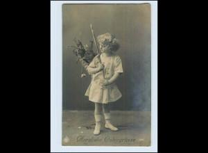 P3E96/ Ostern Mädchen und Hase schöne Foto AK 1919