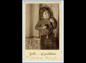 W2J28/ Kind mit Telefon schöne AK 1934