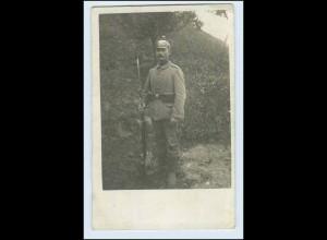 W3G13/ Soldat mit Bajonett u. Pickelhaube Foto AK 1915