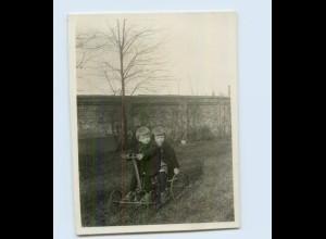 H461/ Kinder mit Tretwagen Spielzeug Privat Foto ca.1930