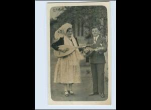 W8N01/ Frau und Mann spielen Mandoline Foto AK ca. 1935