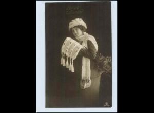 W7P84/ Bonne Annee Frau mit Pelzmütze und Pelzstola Foto AK 1913